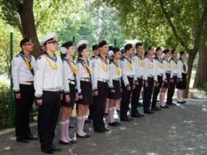 Одеські школярі несуть ПочеснуВахту Пам'яті на Посту №1