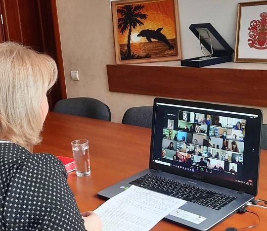Онлайн-нарада з директорами шкіл